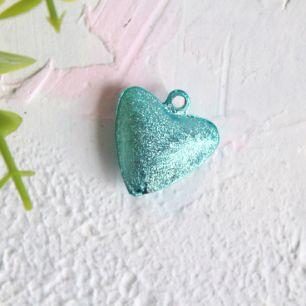Бубенчик-сердце 2 см. матовое голубое