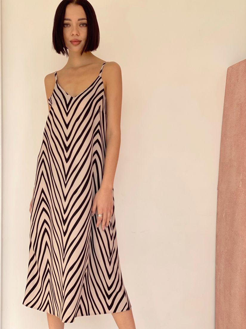 4502 Платье-комбинация с графичным принтом