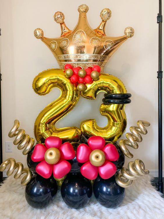 Композиция из шаров  золото , 2 цифры, корона