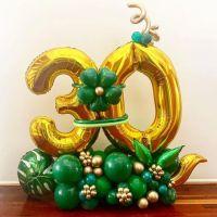 Подарочная напольная композиция из шаров, с цифрами на юбилей
