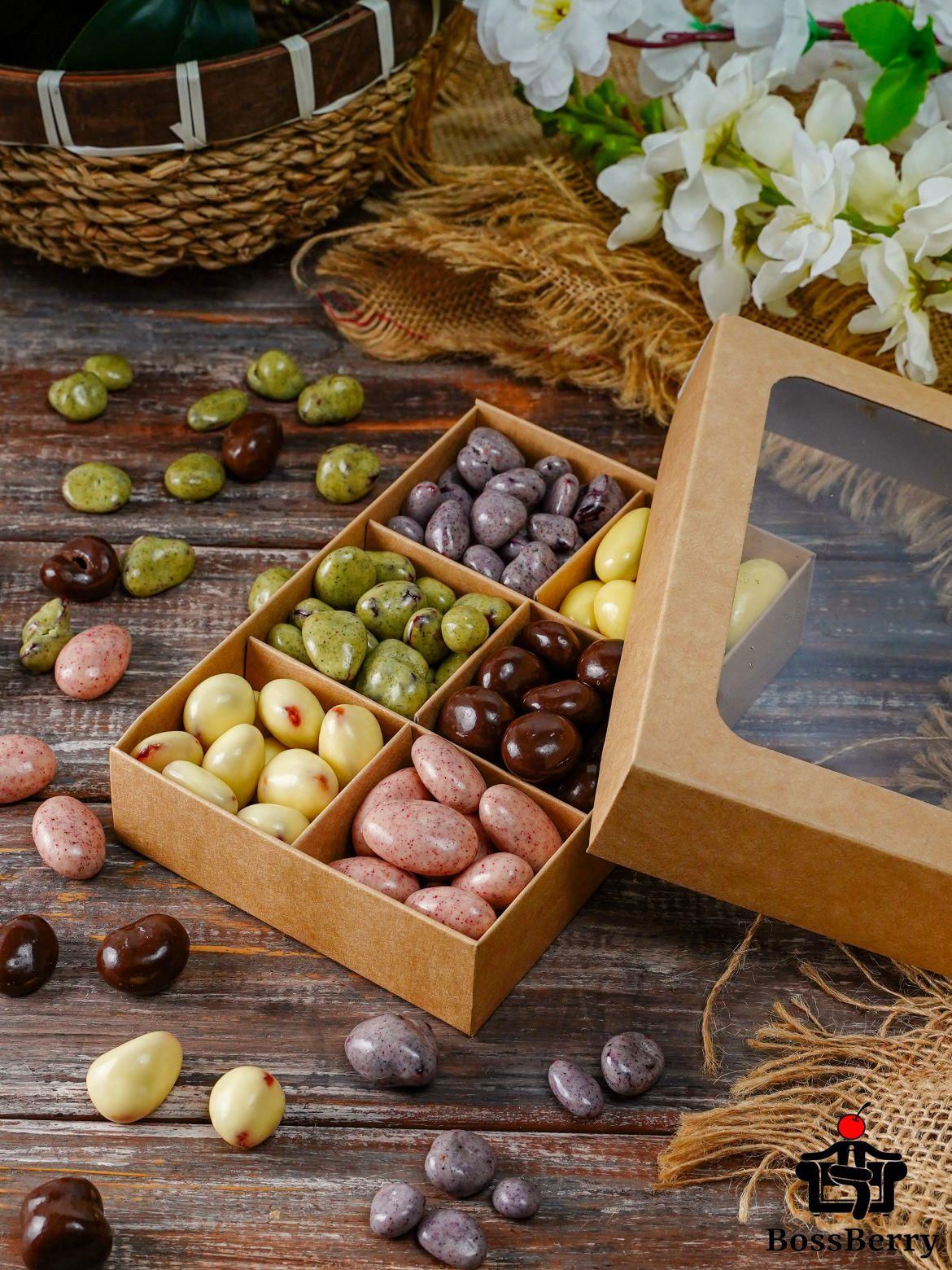 Подарочный набор орехов и ягод в йогуртовой и шоколадной глазури BossBerry