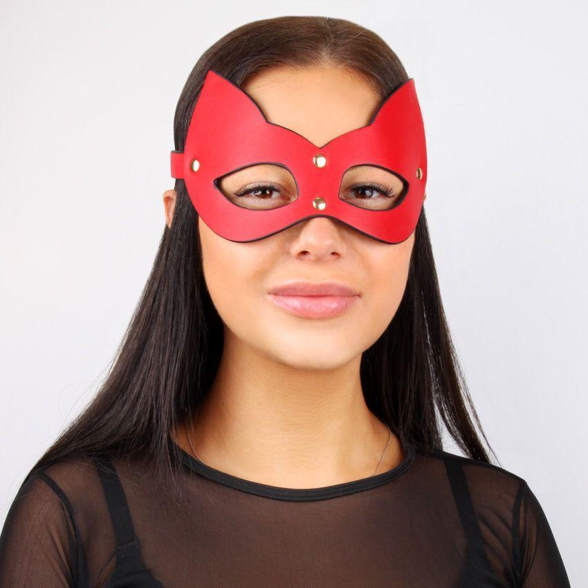 Красно-черная игровая маска с ушками