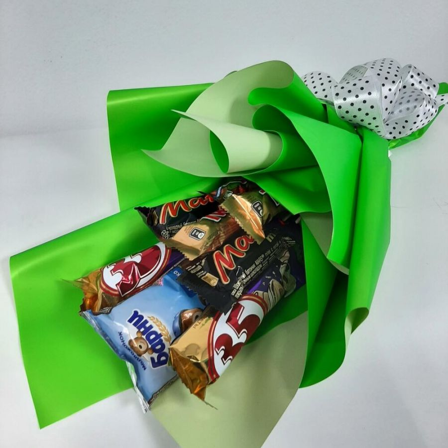 Сладкий букет в зелёной упаковке