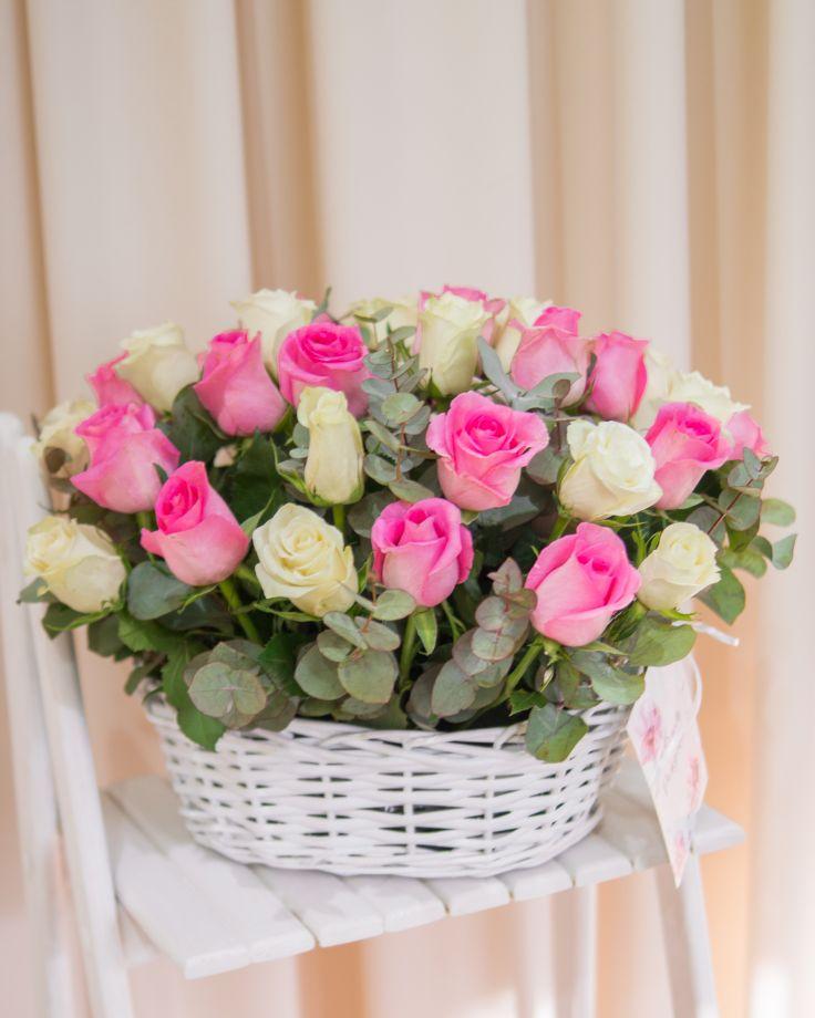 Корзина из 35 Кенийских роз