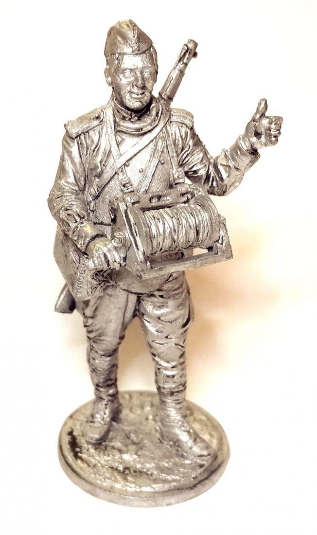 Фигурка Красноармеец-связист, пехота Красной Армии олово