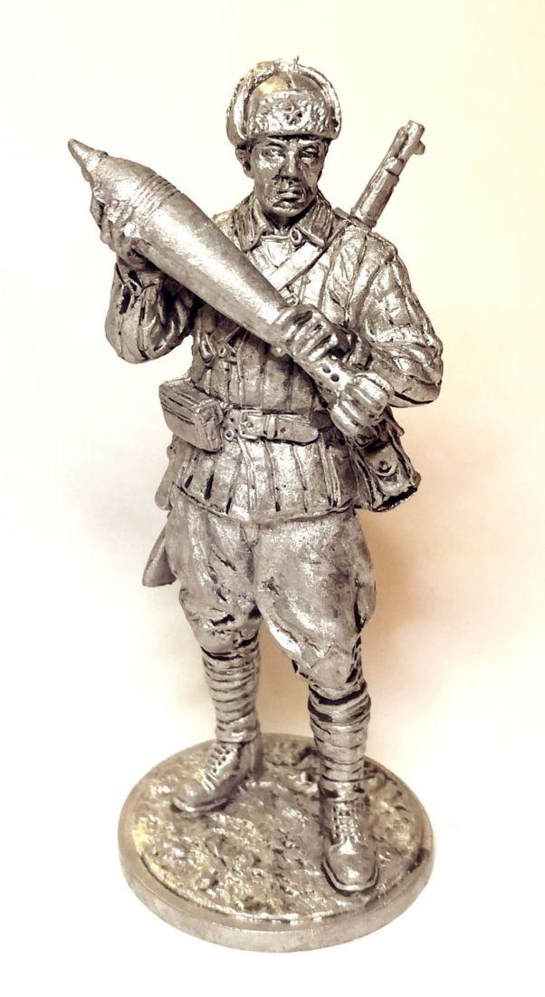 Фигурка Красноармеец-минометчик с миной олово