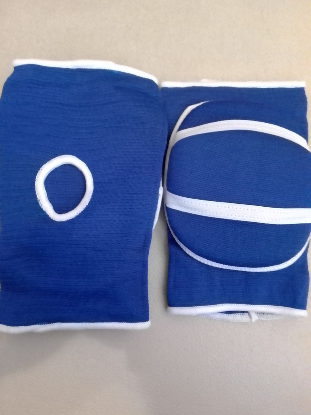 Наколенники волейбольные синие SPRINTER.размер М. 05601