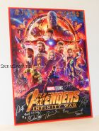 Автографы: Мстители: Война бесконечности. (Avengers: Infinity War). 26 подписей. Редкость!