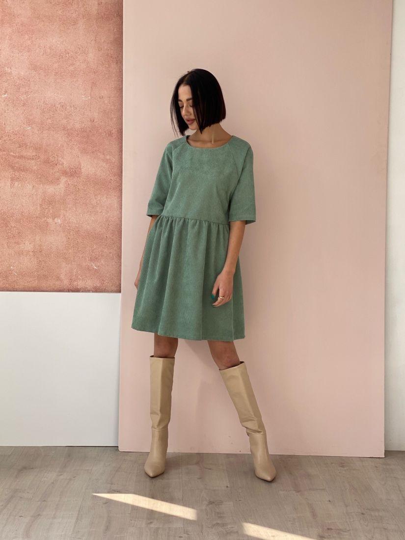 4547 Платье из вельвета фисташковое