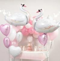 Шарики лебеди с фонтаном