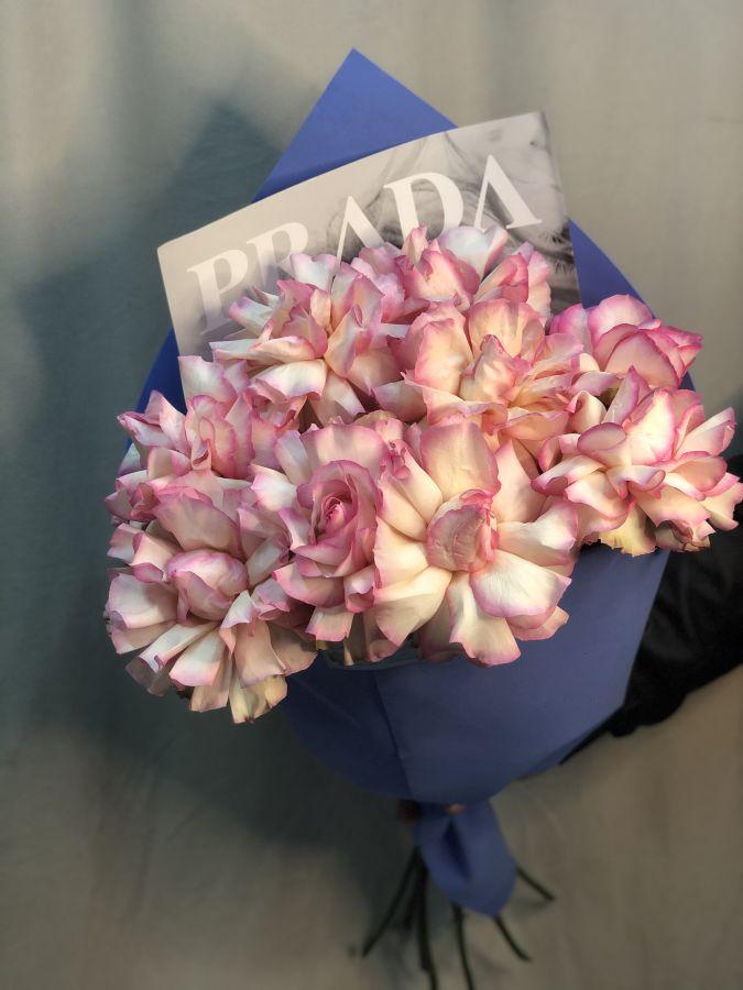 """Эксклюзивные розы """"Софи Лорен"""" 80 см в дизайнерской упаковке"""