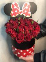 """Розы в шляпной коробке """"Минни Маус"""""""