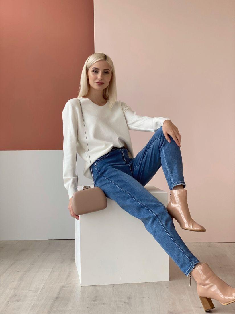 4616 Пуловер с вертикальной косичкой белый