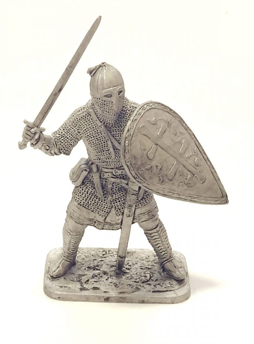 Фигурка Русский воин-дружинник, 13 век
