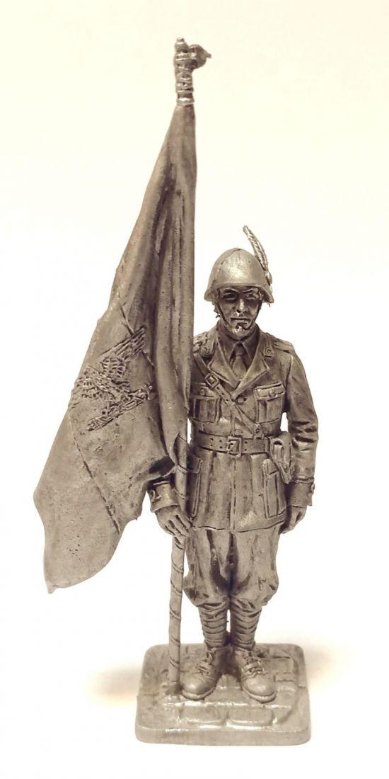 Фигурка Офицер-знаменосец альпийских стрелков. Италия, 1943-45 гг. Олово