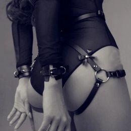 Гартеры с наручниками эко кожа