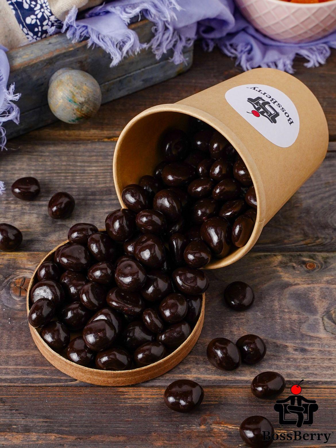 Вишня в темной шоколадной глазури