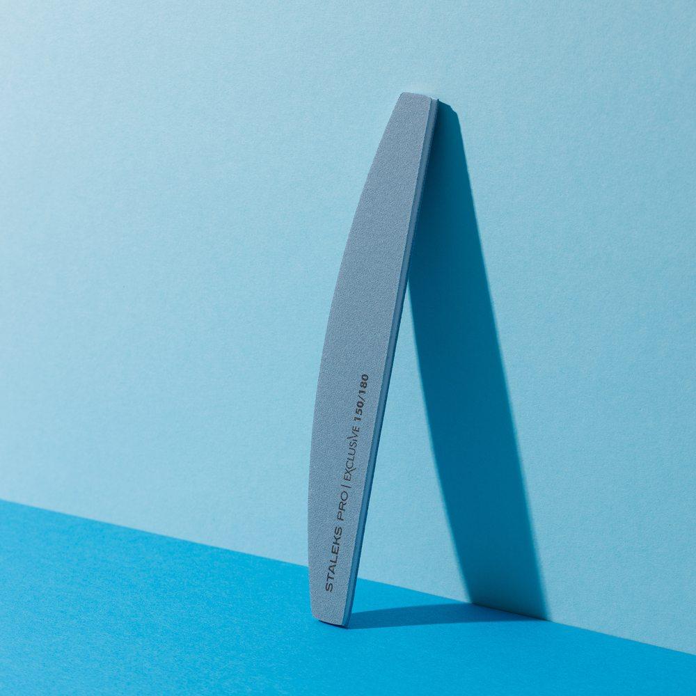 Пилка для ногтей, минеральная (полумесяц) Staleks Pro Exclusive, 150/180 грит (Арт. NFX-42/10)