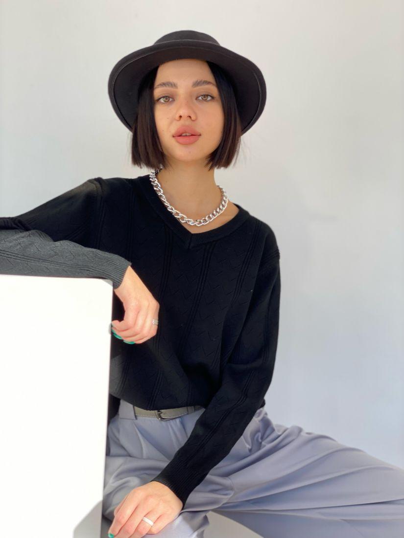 4717 Пуловер с галочками чёрный