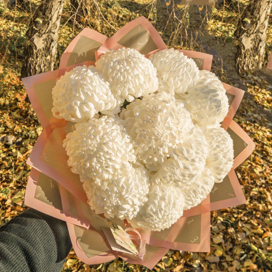 Букет одноголовых хризантем