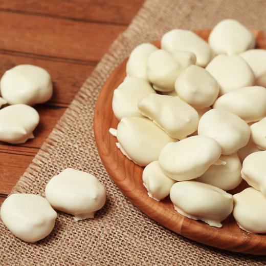 Абрикос в белом шоколаде