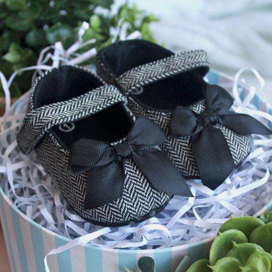 Сандалики черные с бантиком 11 см