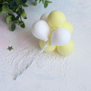 Аксессуар для куклы - Связка воздушных шаров желтые и белые