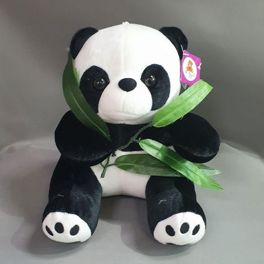 Панда с веточкой