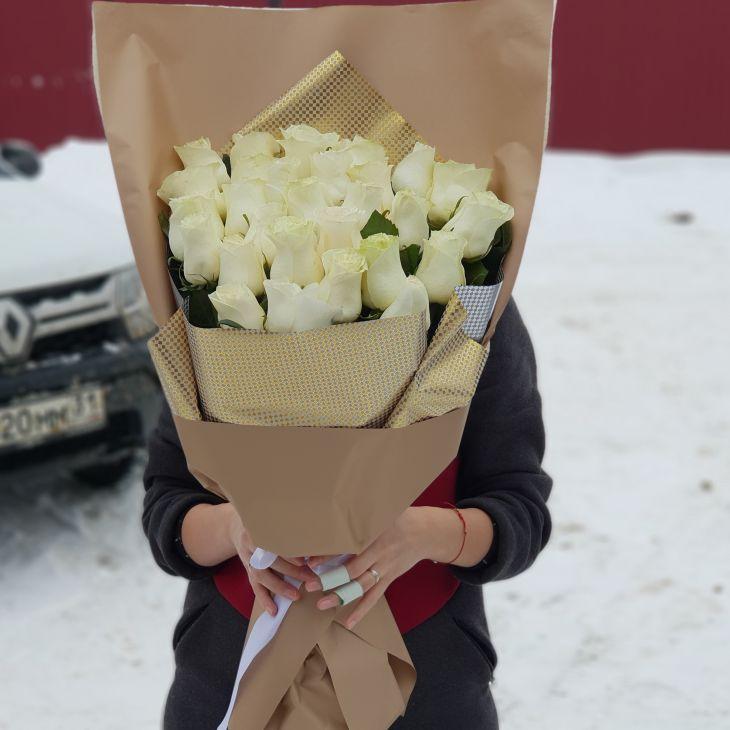 25 роз в дизайнерской упаковке