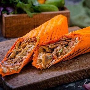 Шаурма из свинины в сырном лаваше