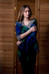 большой однотонный кашемировый шарф (100% драгоценный кашемир), тартан клана Бэрд- Голова Грифона Baird cashmere, высокая плотность 7