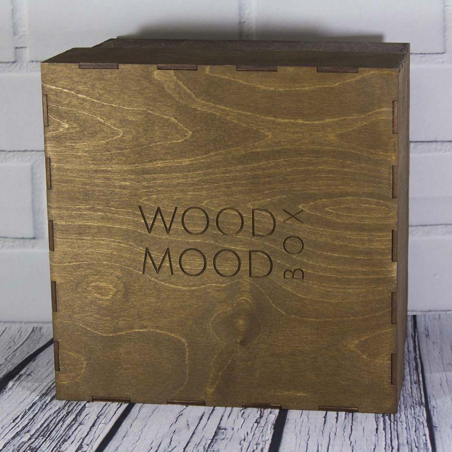 Коробка из дерева с крышкой