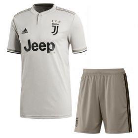 Детская выездная форма Ювентуса (Juventus) сезон 2018-2019