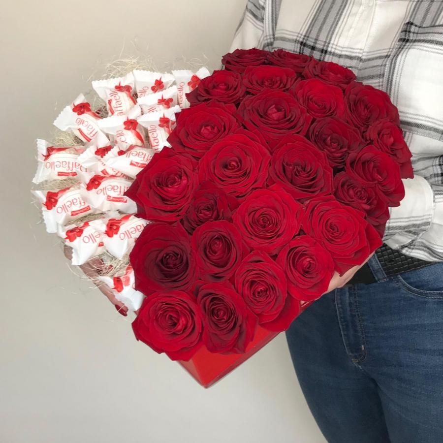 Сердце: Raffaello + розы