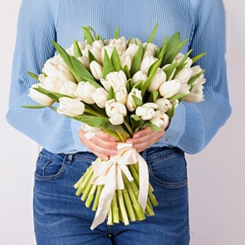Тюльпаны белые 25 шт